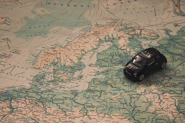 autíčko na mapě.jpg